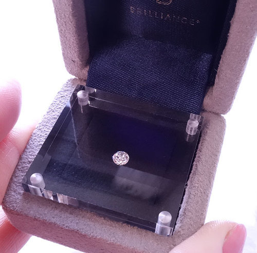 ダイヤモンド・ルースを贈る